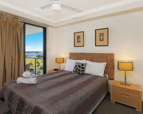 gold-coast-broadwater-2-bedroom-apartments-(10)