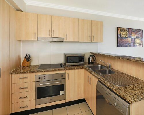 gold-coast-broadwater-2-bedroom-apartments-(13)