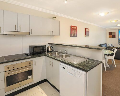gold-coast-broadwater-2-bedroom-apartments-(15)