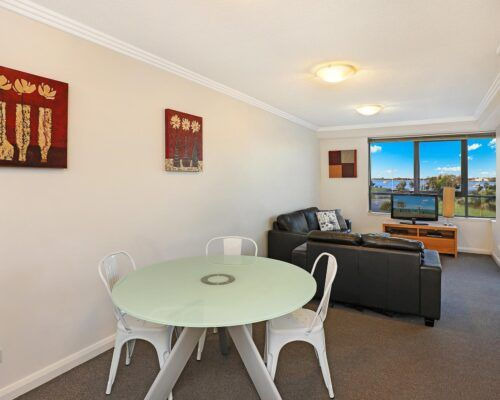 gold-coast-broadwater-2-bedroom-apartments-(16)