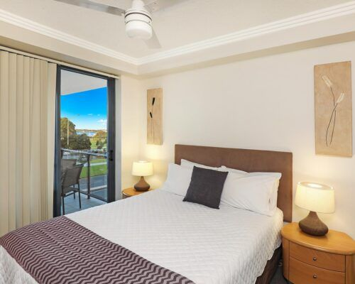 gold-coast-broadwater-2-bedroom-apartments-(17)
