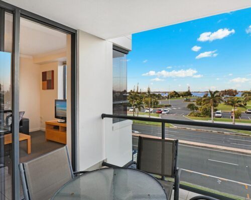 gold-coast-broadwater-2-bedroom-apartments-(20)