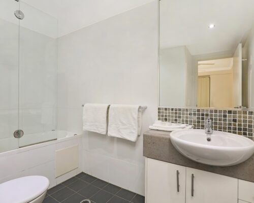 gold-coast-broadwater-2-bedroom-apartments-(22)