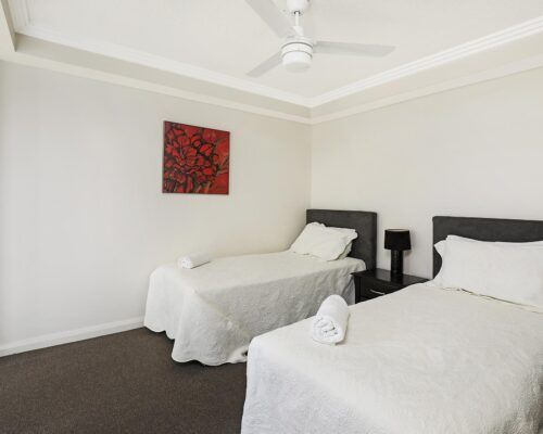 gold-coast-broadwater-2-bedroom-apartments-(4)