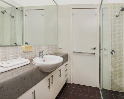 gold-coast-broadwater-2-bedroom-apartments-(5)