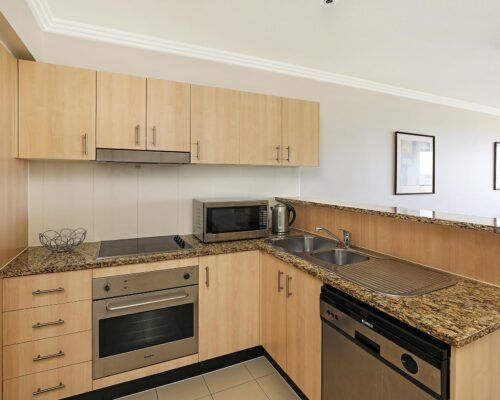 gold-coast-broadwater-2-bedroom-apartments-(8)